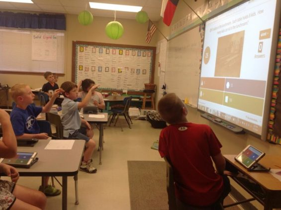 Playing Kahoot!